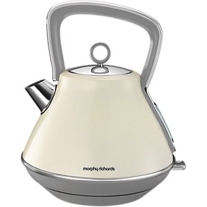 Pyramid Kettles - Browse the pyramid kettles with rapid boil, good capacity and great handy features. The best priced and best featured pyramid kettles for your home.