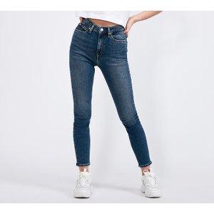 Discover Women's Jeans ideas