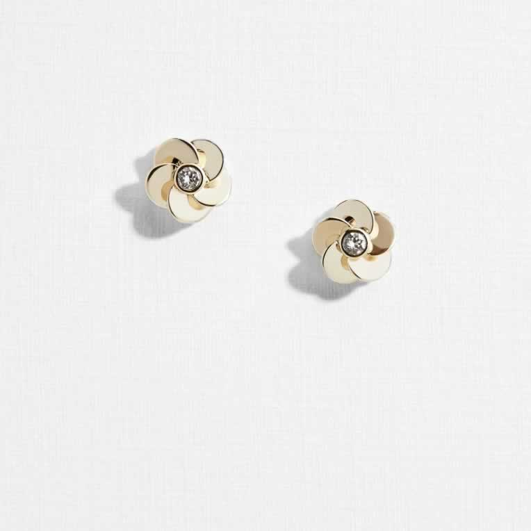Best Priced Earrings Studs In December 2019 - The perfect statement earrings to add to your look. Simple in design but striking in appearance. Complete your statement look by pairing these womens earrings studs.