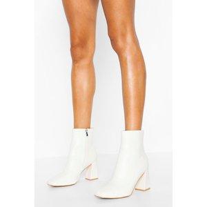 Boohoo Womens Wide Fit Croc Block Heel Shoe Boots - White - 6, White Fzz4468817314 Womens Footwear, White