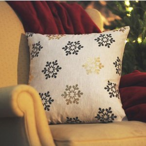 Gallery Direct All Over Snowflake Printed Cushion (set Of 2) - 45cm X 45cm