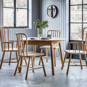 Gallery Direct Hudson Living Wycombe Round Extending Dining Table With 2 Dining And 2 Carver Chairs - Oak, Oak