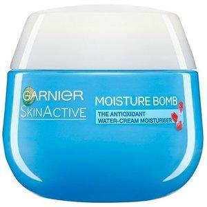 Garnier Moisture Bomb Glow Day Cream Moisturiser 50ml 0112595