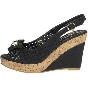 Laura Biagiotti  6047  Women's Sandals In Black. Sizes Available:3,4,5,7,2.5 Kid, Black