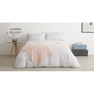 Made.com Kit Woven Throw 130x170cm, Plaster Pink , Pink
