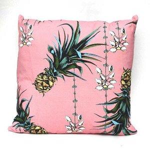 Petronella Hall Cushion Pineapples/petals Pin-cflo Diy