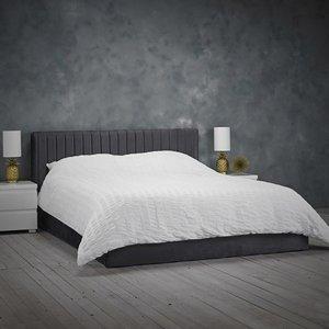 Elegant Furniture Berlin Velvet Upholstered Small Double Bed In Silver Berlinsil4.0.lpd